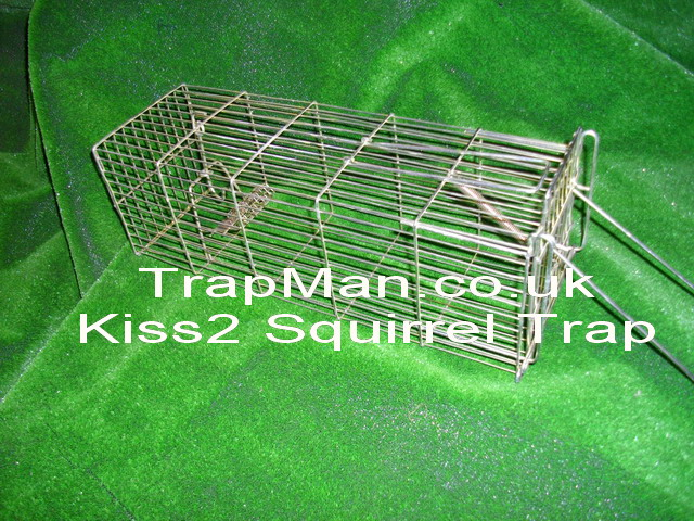 Kiss2 low cost squirrel trap with bait hook and baiting basket ideal for use in trees